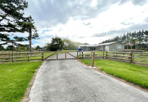 Whenuapai, Lovely 3 bed HOME & OFFICE + internal garage! Solar, DVS, & more.....GRAZING AVAILABLE!, Property ID: 39003631 | Barfoot & Thompson