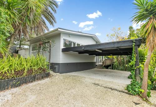 St Johns, Contemporary Home with X Factor Living, Property ID: 808475 | Barfoot & Thompson