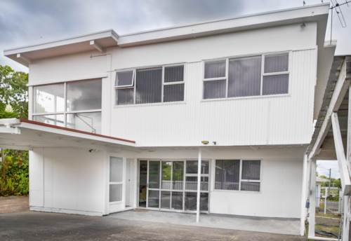 Onehunga, CENTRAL LOCATION,SPACE FOR EVERYONE!, Property ID: 808474 | Barfoot & Thompson