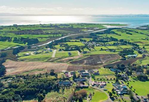 Kingseat, 4.3 Ha Residential Land in Kingseat-Karaka, Property ID: 809342 | Barfoot & Thompson