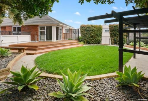 Hill Park, FEELS JUST LIKE NEW!, Property ID: 808760 | Barfoot & Thompson