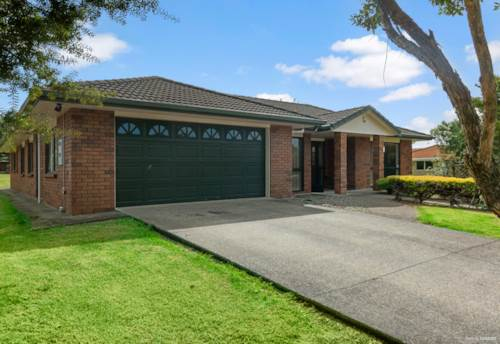 Kerikeri, HARD TO BEAT ON A BEAUTIFUL STREET, Property ID: 809290 | Barfoot & Thompson
