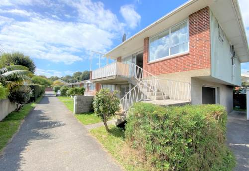 Epsom, Rare find in Double Grammar Zone!, Property ID: 50005884   Barfoot & Thompson