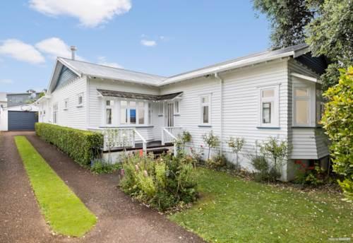 Royal Oak, MIXED HOUSING URBAN + 809M2, Property ID: 809501 | Barfoot & Thompson
