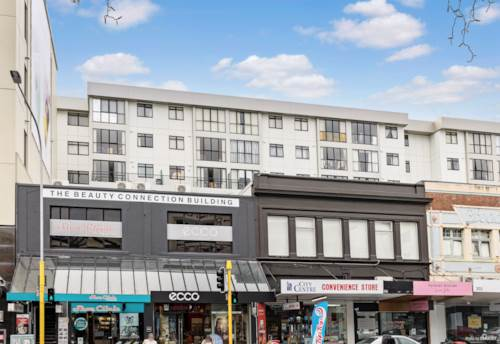 Newmarket, Affordable double grammar zone apartment with BALCONY, Property ID: 809552   Barfoot & Thompson
