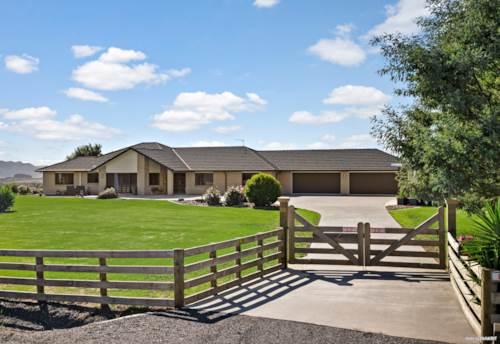 Te Kauwhata, LARGE 5 BEDROOM COUNTRY HOME IN TE KAUWHATA, Property ID: 806696 | Barfoot & Thompson