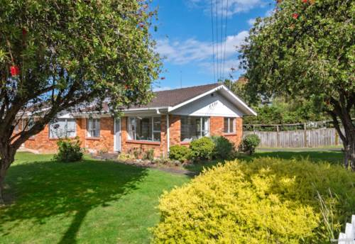 Onehunga, Super Sunny, Solid Home, Property ID: 808714 | Barfoot & Thompson
