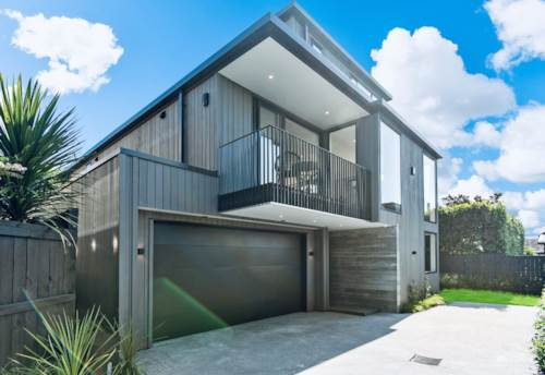 Orakei, Iconic Luxury with Harbour and Rangitoto Views, Property ID: 809388 | Barfoot & Thompson