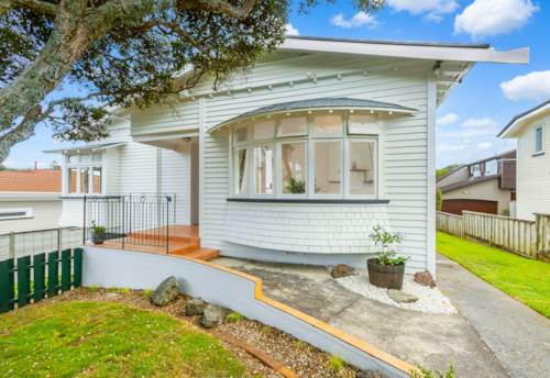 Royal Oak, Bungalow Brilliance ' A Super Home ', Property ID: 808719 | Barfoot & Thompson