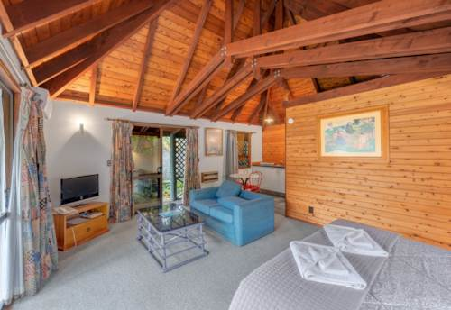 Tairua, Tairua - Combination Holiday and/or Investment, Property ID: 809472 | Barfoot & Thompson