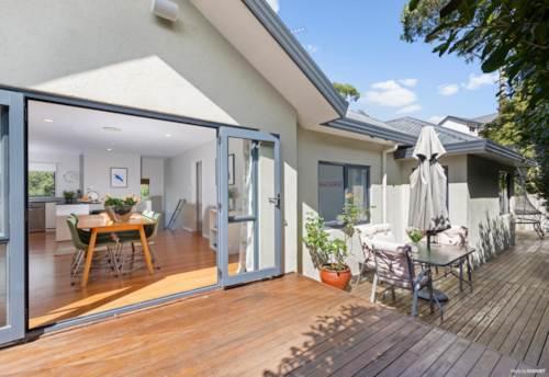 Sunnyvale, A FAMILY AFFAIR!, Property ID: 809709   Barfoot & Thompson