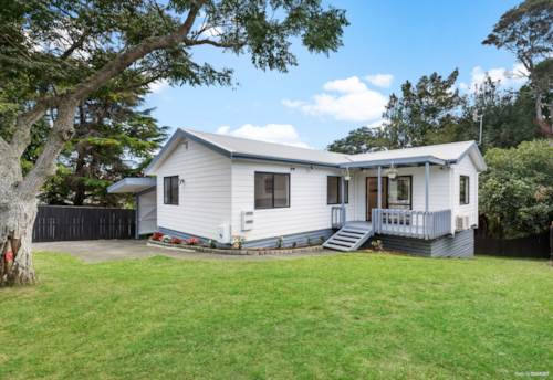 Bayview, First Homers, Downsizers & Investors - Here's Your Chance!, Property ID: 809676 | Barfoot & Thompson