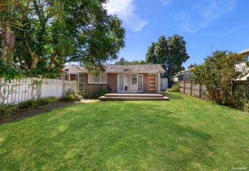Papatoetoe, Calling all essential workers at middlemore!, Property ID: 809386 | Barfoot & Thompson