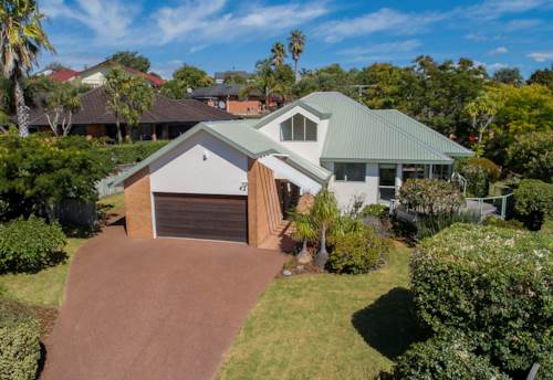 Gulf Harbour, Warm and Inviting ..., Property ID: 809762 | Barfoot & Thompson