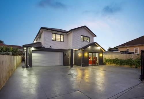 Papatoetoe, A PICTURE-PERFECT FAMILY HOUSE, WARM, COZY AND LAVISH!, Property ID: 806857 | Barfoot & Thompson
