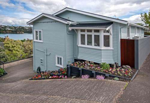 Northcote Point, Gorgeous Bungalow, Property ID: 11000938 | Barfoot & Thompson