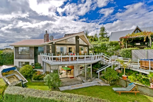 Beach Haven, Entertainers Dream, Property ID: 11000943 | Barfoot & Thompson