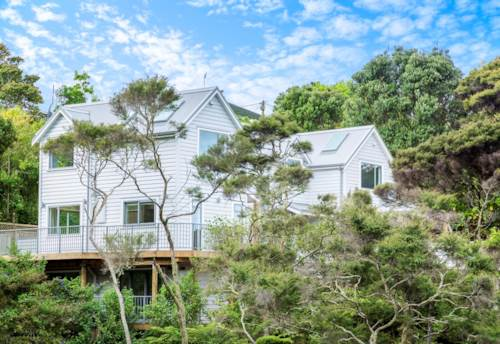 Birkenhead, Brand New -On Birkenhead Point., Property ID: 11000979   Barfoot & Thompson