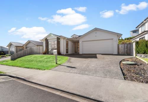 Millwater, Perfect family home on single level, Property ID: 809482 | Barfoot & Thompson