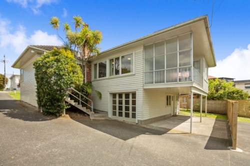 Northcote, NO LETTING FEE - GREAT LOCATION, Property ID: 11001072   Barfoot & Thompson