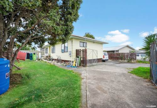 Randwick Park, Opportunity For Investors/ Traders/ First Home buyers., Property ID: 809481 | Barfoot & Thompson