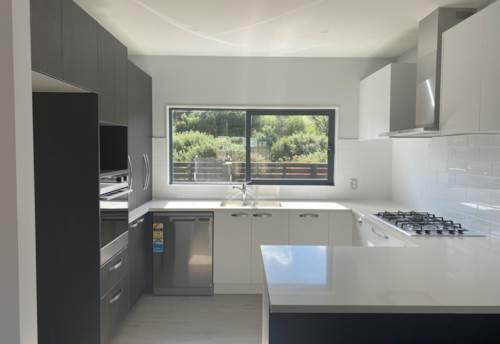 Flat Bush, Brand New Flat Bush Living , Property ID: 17002537 | Barfoot & Thompson