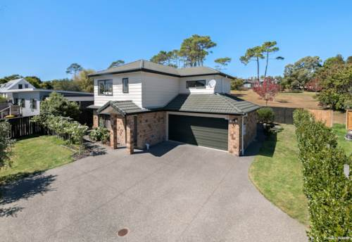 Manly, BIG & BEAUTIFUL ON THE PARK, Property ID: 809869 | Barfoot & Thompson