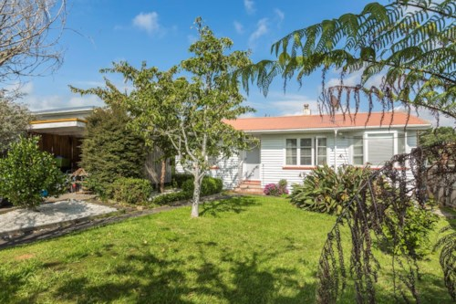 Birkdale, Be Quick For This  , Property ID: 11001120 | Barfoot & Thompson