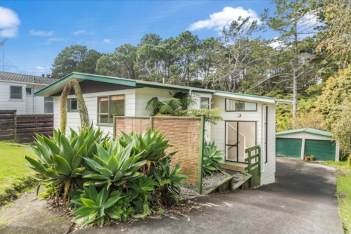 Sunnynook, Great Location in Sunnynook, Property ID: 11001160 | Barfoot & Thompson