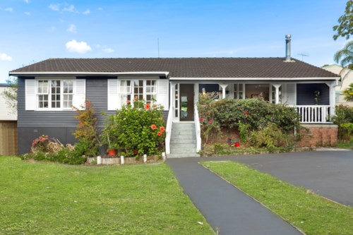 Glenfield, Four bedroom House in the heart of Glenfield, Property ID: 11001193 | Barfoot & Thompson
