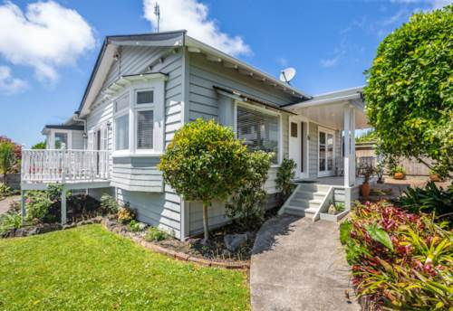Birkenhead, Great Location home, Property ID: 11001213 | Barfoot & Thompson