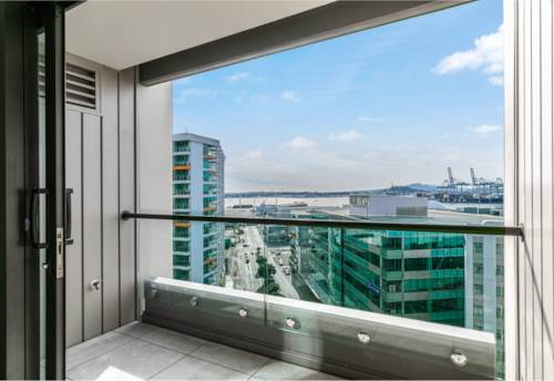 City Centre, SEA VIEWS LARGE ONE BEDROOM, Property ID: 11002234   Barfoot & Thompson