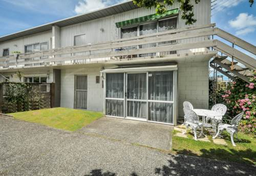 Browns Bay, 2 Bedrooms - Walk to Browns Bay, Property ID: 12000786 | Barfoot & Thompson