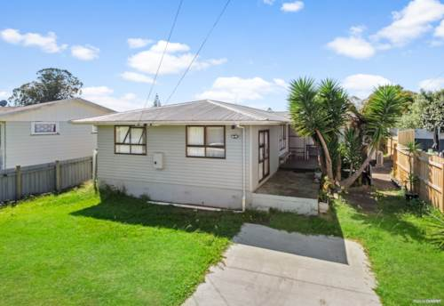 Papakura, AFFORDABLE 4 BEDROOM HOME, Property ID: 809570 | Barfoot & Thompson