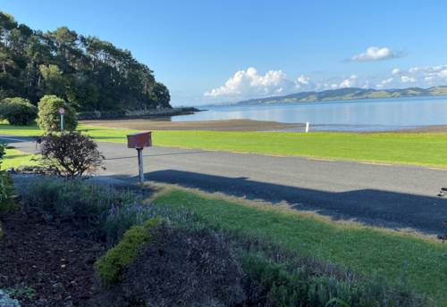 Tamaterau, Harbour Views for Days , Property ID: 43001183 | Barfoot & Thompson