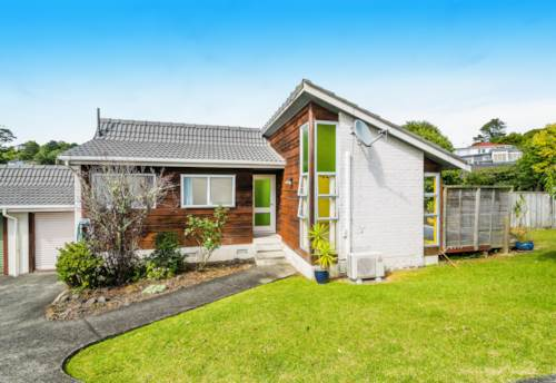 Browns Bay, Quiet Location with garage, Property ID: 12000902 | Barfoot & Thompson