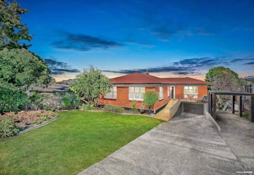 Pukekohe, A HOME WITH A HEART & MORE!, Property ID: 809828 | Barfoot & Thompson