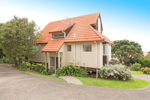Whangaparaoa, 3 Bed 2 Bath Family Friendly, Property ID: 12000912 | Barfoot & Thompson