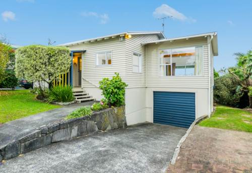 Browns Bay, 4 Bed 2 Bath Large Family Home, Property ID: 12000917 | Barfoot & Thompson