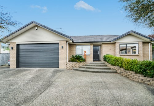 Albany, Modern Family Home in Pinehill, Property ID: 12000918 | Barfoot & Thompson