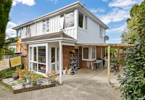 Mt Albert, Affordable Family Home in Prime Location, Property ID: 809822 | Barfoot & Thompson