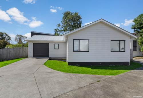 West Harbour, STROLL TO EVERYTHING. SINGLE LEVEL HOME, Property ID: 808980 | Barfoot & Thompson