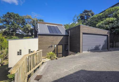 Browns Bay, Awesome Location - Heaps of Space, Property ID: 12000924 | Barfoot & Thompson