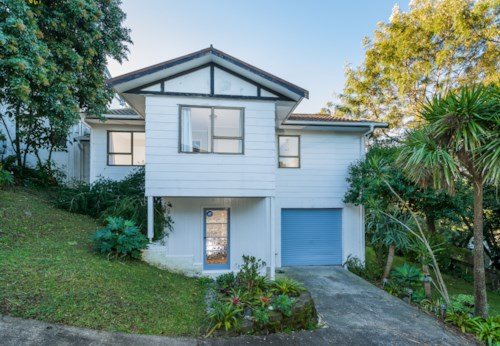 Browns Bay, Furnished Family Home, Property ID: 12000931 | Barfoot & Thompson