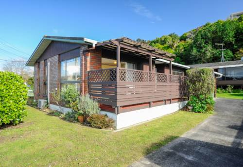 Browns Bay, Location, location, location, Property ID: 12000965 | Barfoot & Thompson