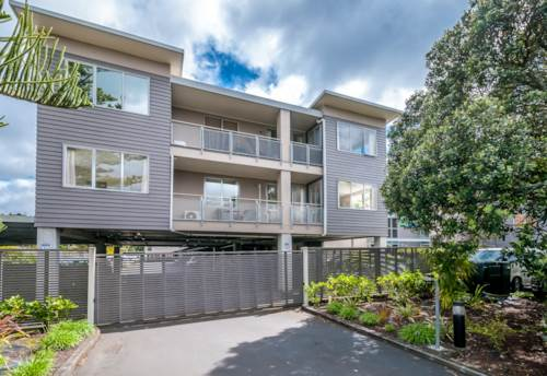 Browns Bay, SHORT TERM - 3 Bedroom Apartment , Property ID: 12000977 | Barfoot & Thompson