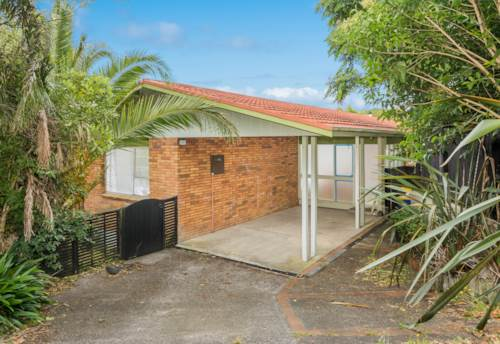 Glenfield, Big Family Home - Close to Mall, Property ID: 12000982 | Barfoot & Thompson