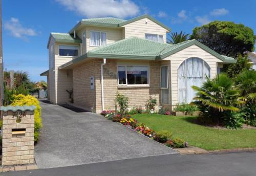 Browns Bay, 4 Bedrooms Plus a Swimming Pool, Property ID: 12000986 | Barfoot & Thompson