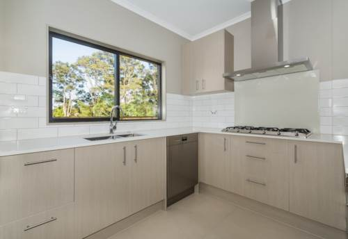 Torbay, Spacious Family Home, Property ID: 12001003 | Barfoot & Thompson