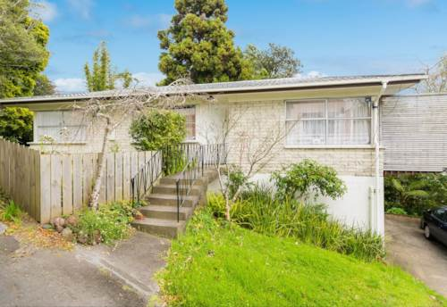 Browns Bay, 3 Bedrooms - Close to Browns Bay, Property ID: 12001045 | Barfoot & Thompson